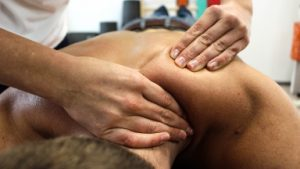 Sports massage to the shoulders